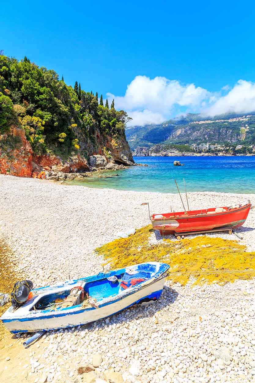 Παραλία-Λιμνί-Λιαπάδες