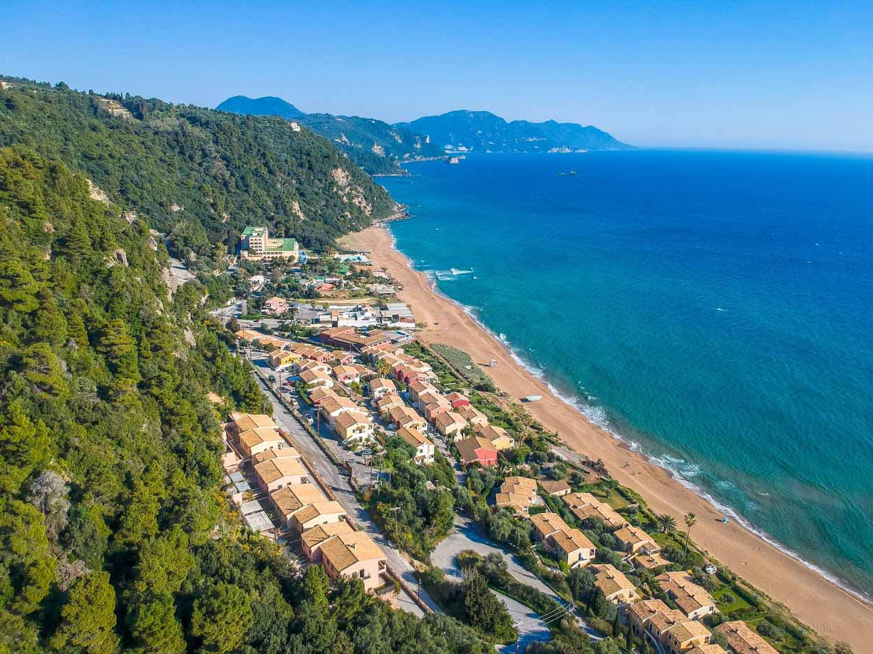 Γλυφάδα παραλία Glyfada beach Corfu Kerkyra mykerkyra.com Eddie Kastamonitis