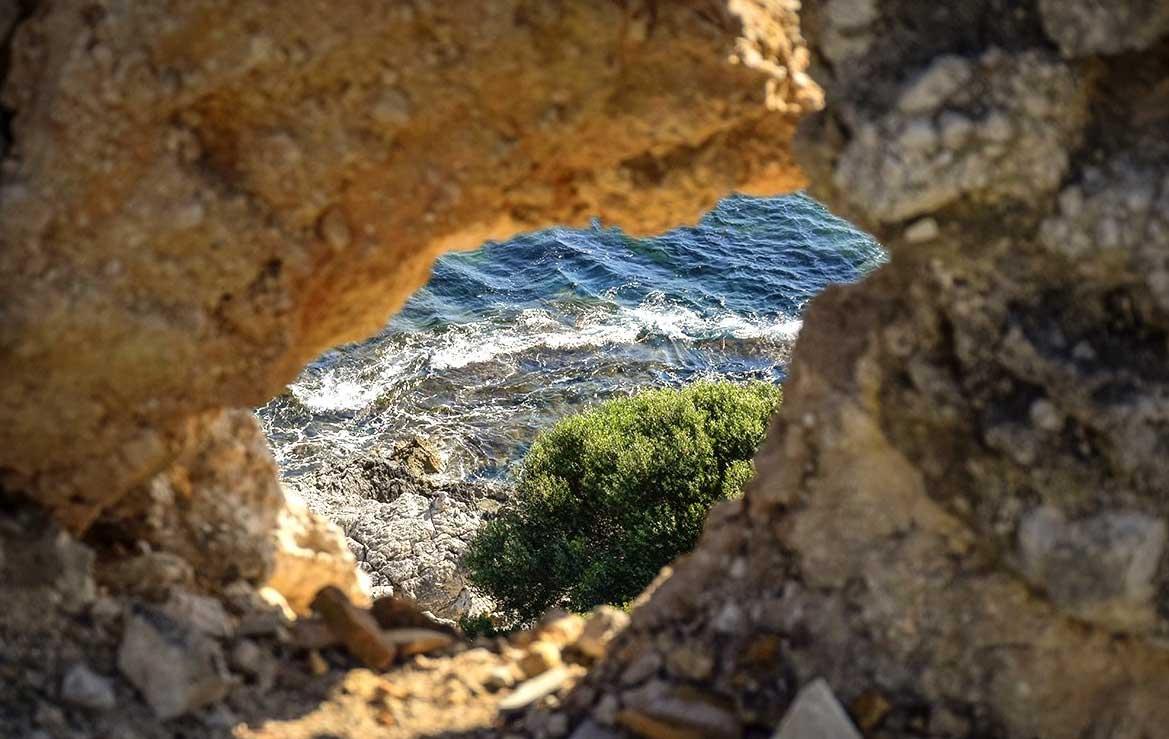 Ενημερωθείτε για όλα τα σπήλαια της Κέρκυρας στο mykerkyra.com