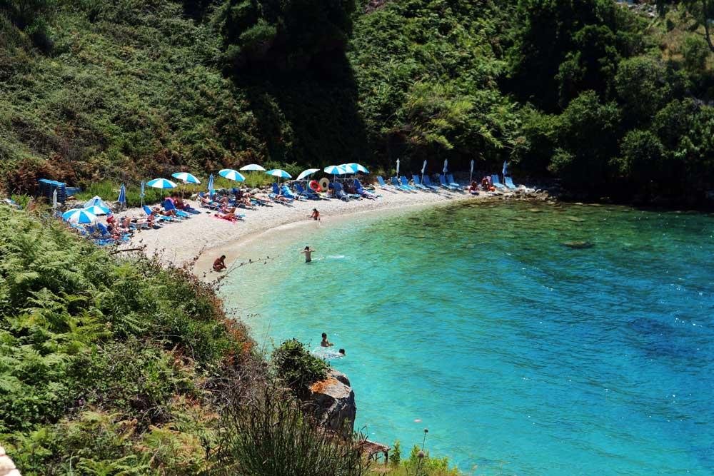 Πίπιτος παραλία Κασσιόπη