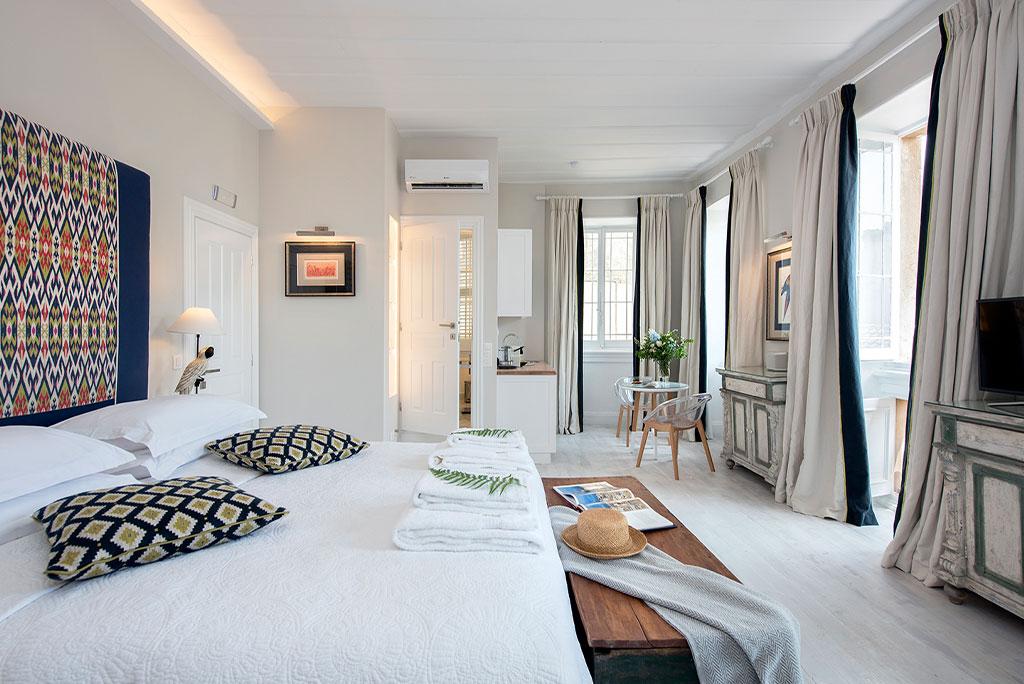 Liston-suites-Lear-suite-bedroom-mykerkyra.com