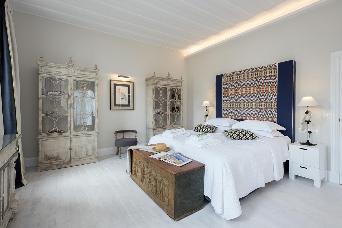 Liston suites Lear suite bedroom mykerkyra.com