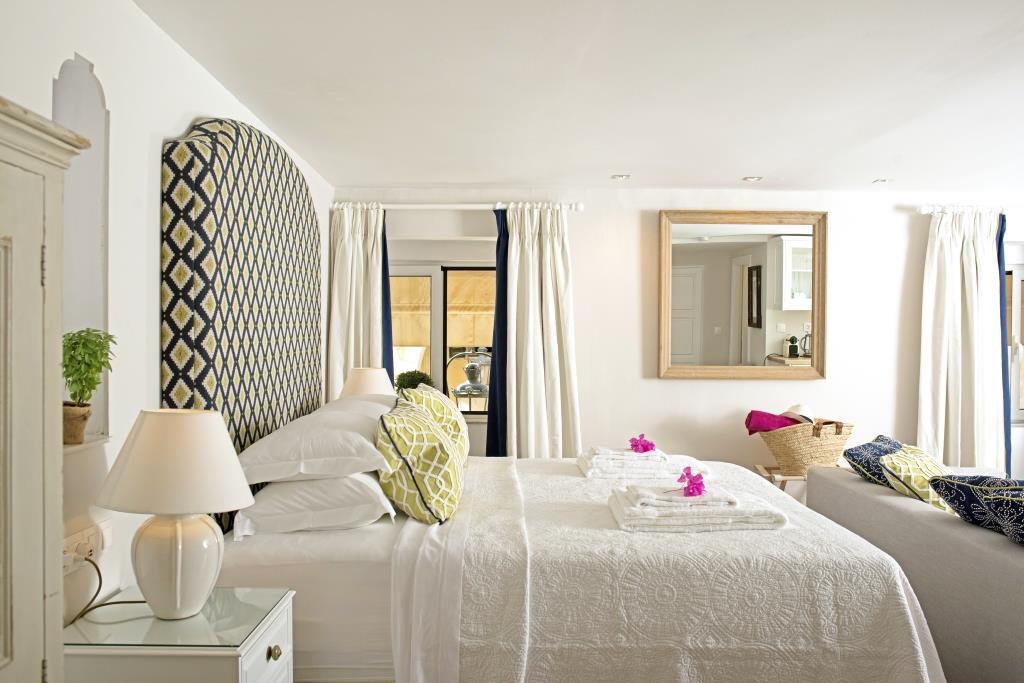 Liston suites Kouloura suite bedroom mykerkyra.com