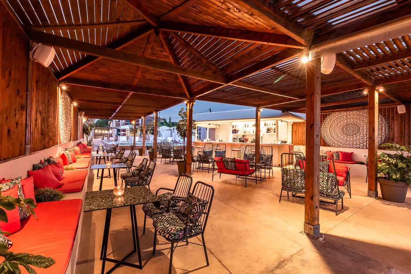 armeno lounge beach bar restaurant mykerkyra.com Marathias cocktails