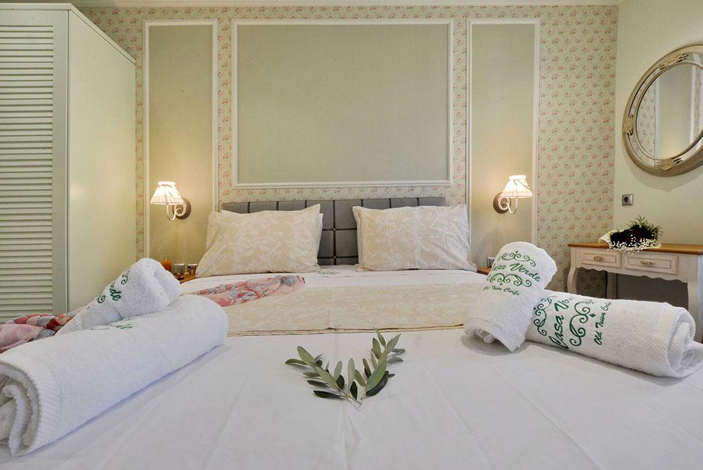Casa-Verde-apartmenrs-Studio-Dahlia-bedroom-mykerkyra.com