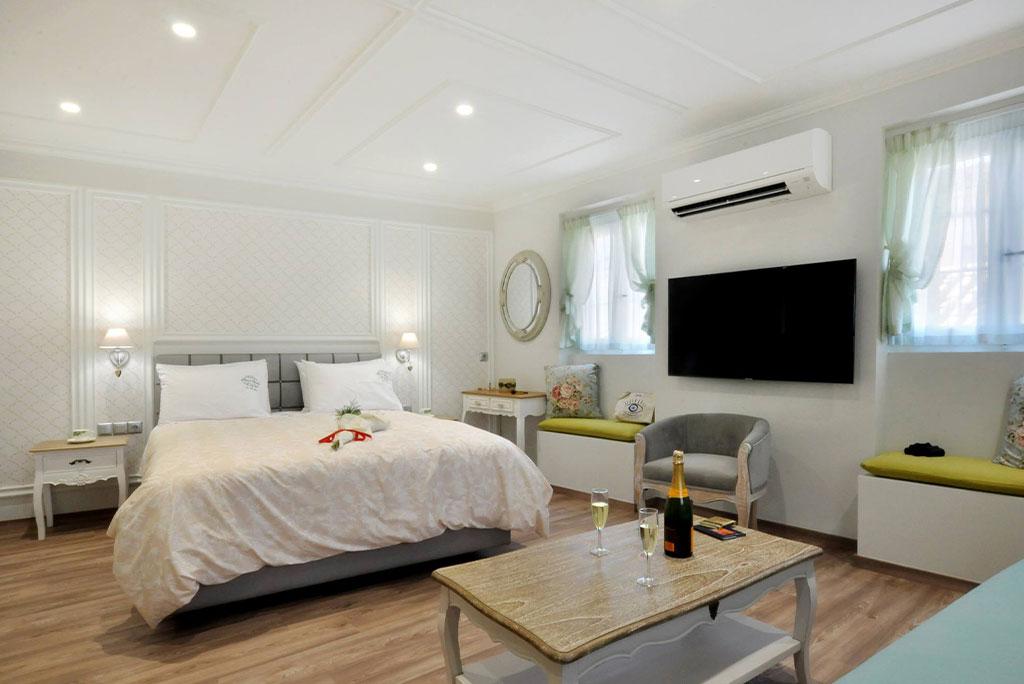 Casa-Verde-apartmentsStudio-Ortensia-bedroom-mykerkyra.com